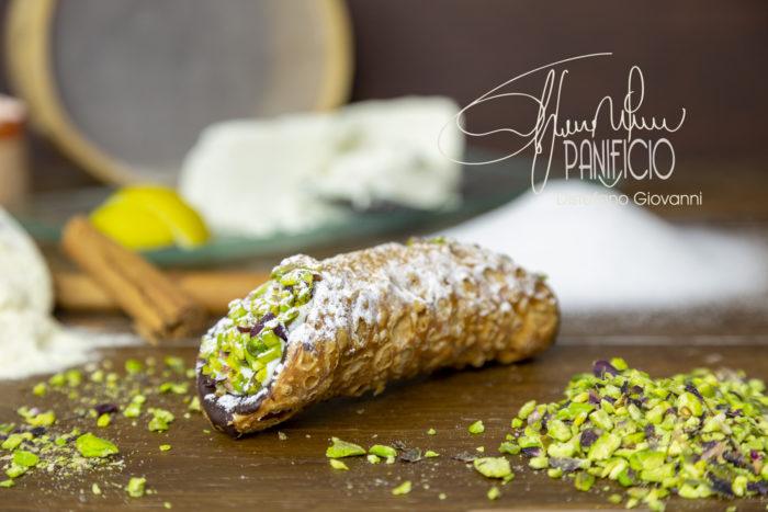 cannolo siciliano ricotta pistacchio